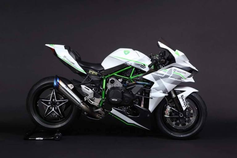 2016-kawasaki-ninja-h2r-in-white-livery-is-the-queen-of-supercharged-ice_2.jpg