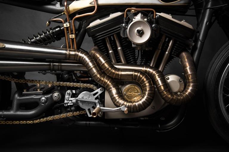 Harley-Davidson-Sportster-883-22Opera22-by-South-Garage-1