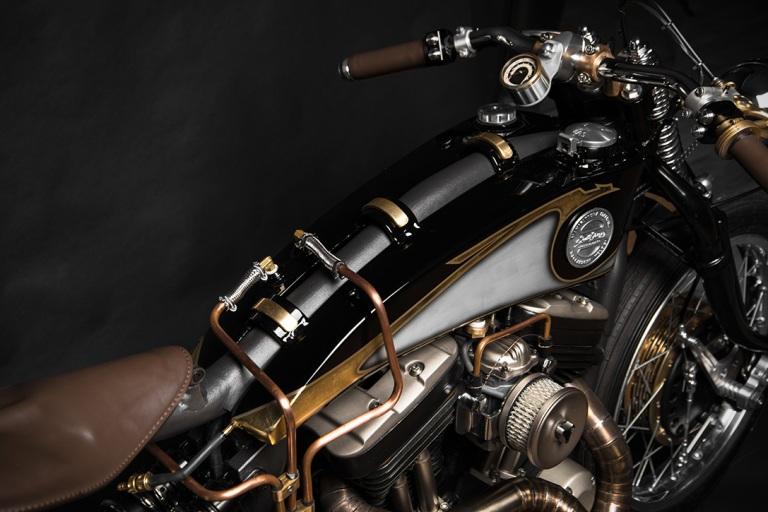 Harley-Davidson-Sportster-883-22Opera22-by-South-Garage-3