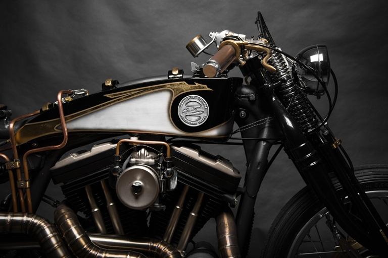 Harley-Davidson-Sportster-883-22Opera22-by-South-Garage-4