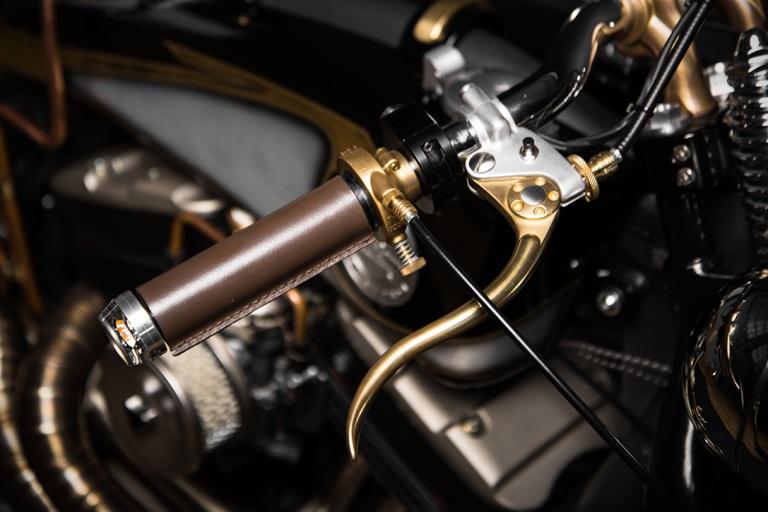 Harley-Davidson-Sportster-883-22Opera22-by-South-Garage-6