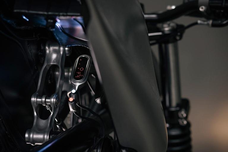 BMW-R100R-Cafe-Racer-By-Vagabund-Moto-5